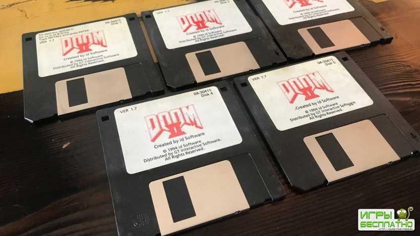 Джон Ромеро продает дискеты с Doom 2